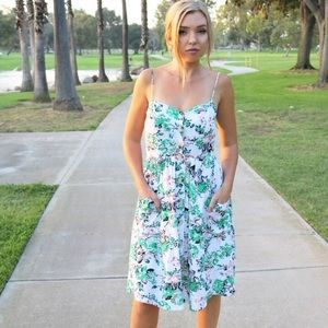 Dresses & Skirts - Meadow Fields Midi Dress